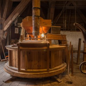 Korenmolen de Zwaluw - molensteen
