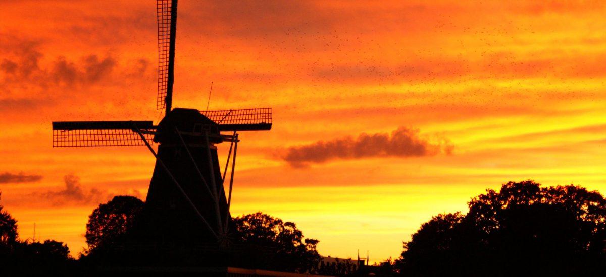 Korenmolen de Zwaluw Hoogeveen- zonsondergang
